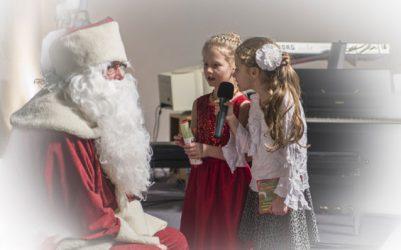 CHORUS e.V. Kinder mit dem Weihnachtsmann