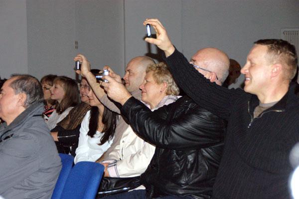 Begeisterte Eltern beim Familienfest der CHORUS e.V. in Braunschweig