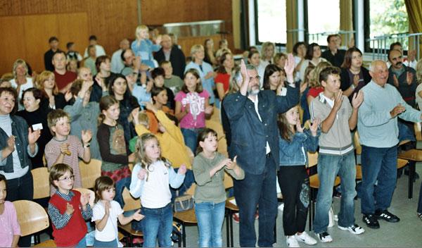 Das Publikum steht Kopf beim Familienfest der CHORUS e.V.